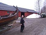 Vikingskipet er tatt ut for å utføre vårpuss etter et vinteropphold på Fåberg12